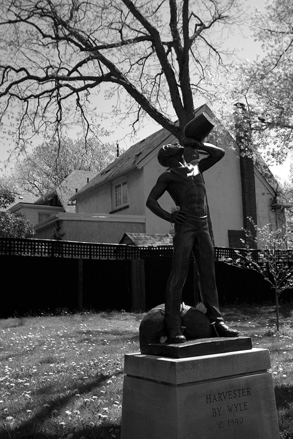 Statues in Toronto. Jane's Walk 2012. Photography by Leah Snyder.